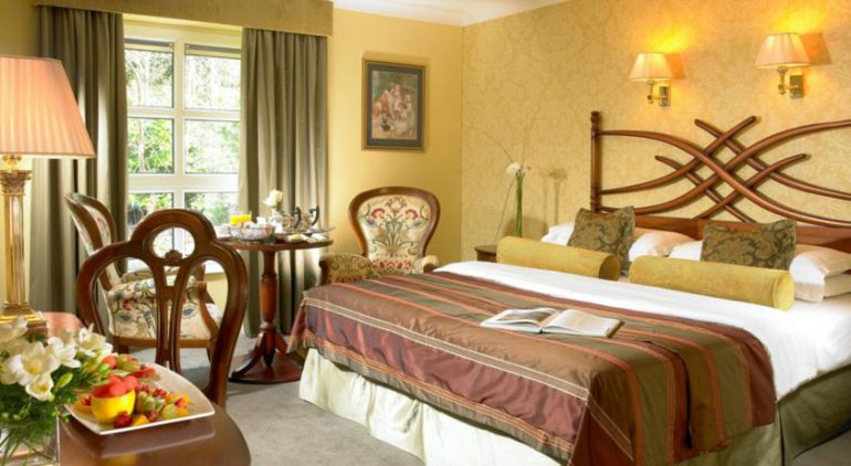 Dromhall Hotel Killarney Bedroom