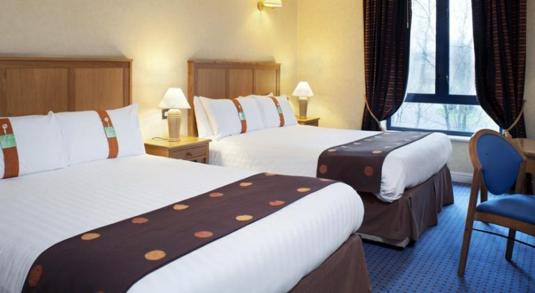 Holiday Inn Killarney Bedroom