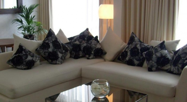 Rose Hotel Lounge