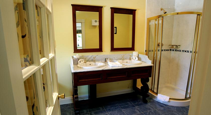 Killeen House Killarney Bathroom