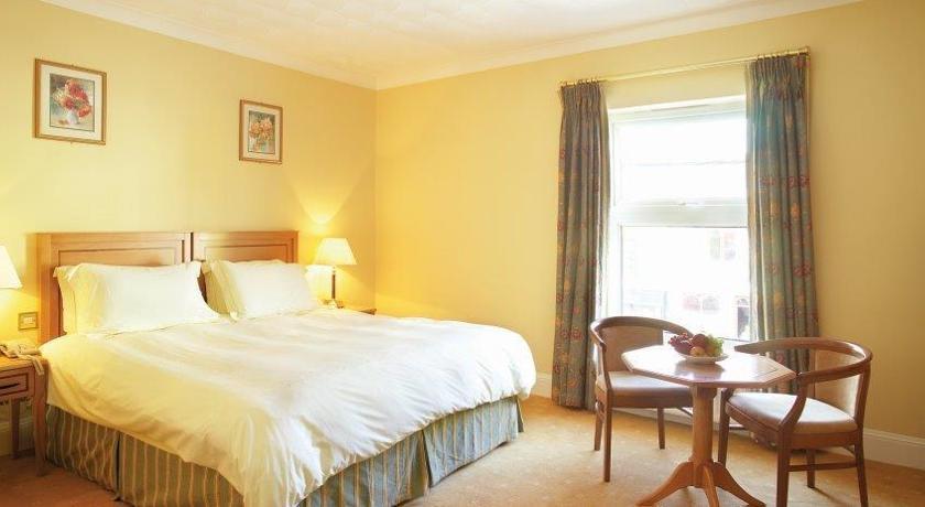 Lansdowne Arms Kenmare Bedroom