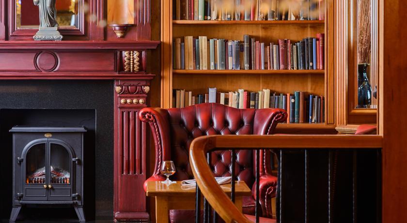 River Island Hotel Castleisland Lounge