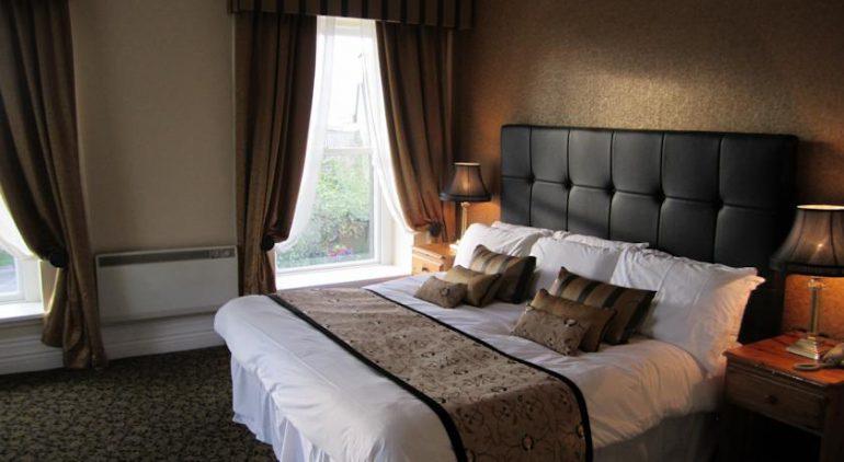 Towers Hotel Glenbeigh Bedroom