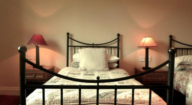 Applecroft House Killarney Bedroom 1