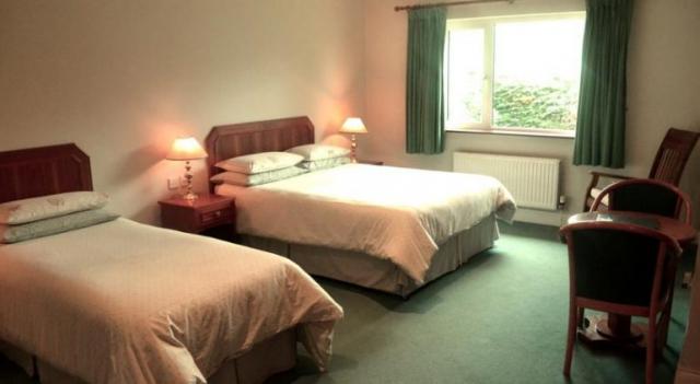 Applecroft House Killarney Bedroom 3