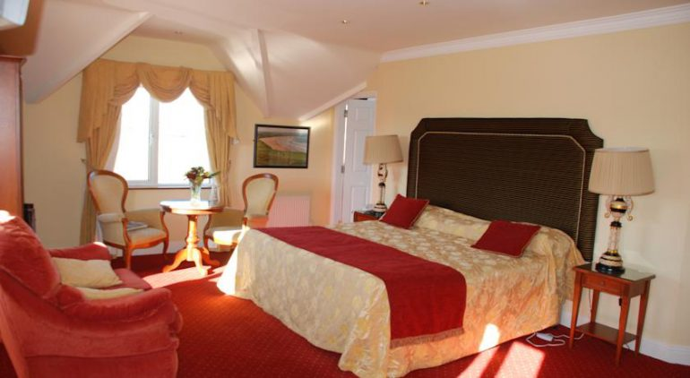 19th golf lodge ballybunion main bedroom