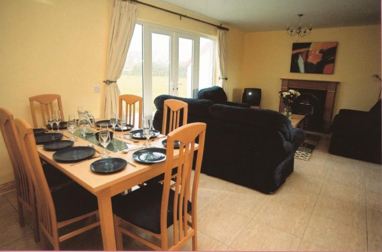 Banna Beach Self Catering Dining