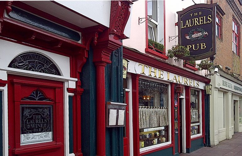 Laurels Killarney pub