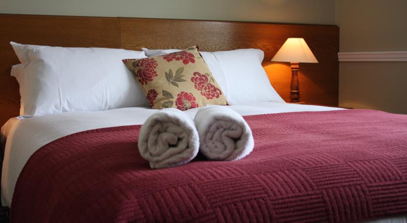 Benners Hotel Tralee Bedroom