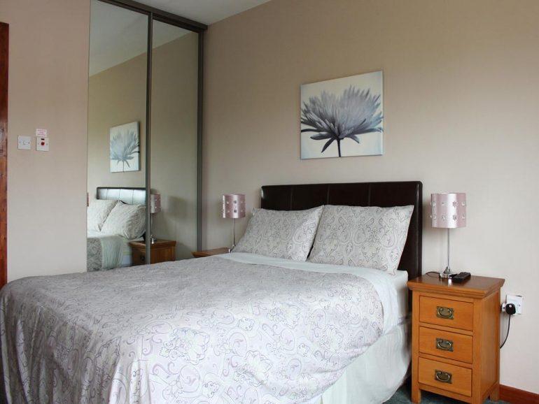 Avelow House Kenmarem Bedroom