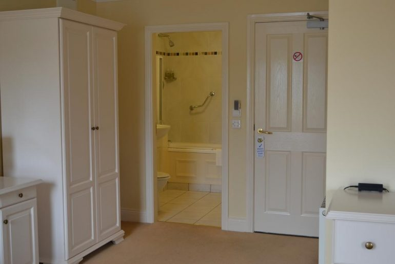 The Moorings Portmagee ensuite