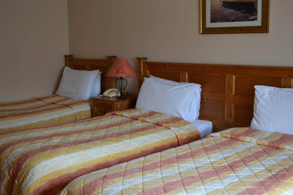 The Moorings Portmagee triple bedroom