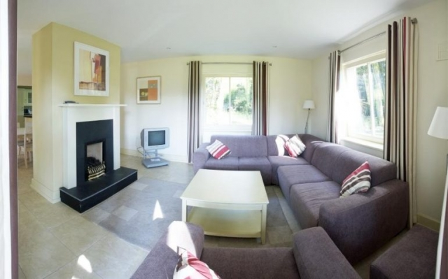 dunkerron woods self catering lounge