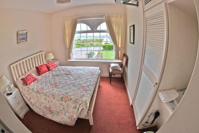 Sea Breeze Cahersiveen B&B Bedroom 1