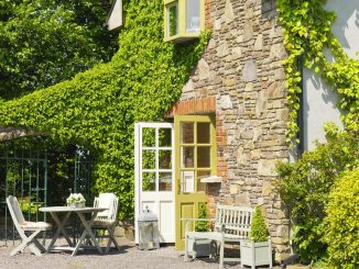 tralee holiday lodge - courtyard cottages