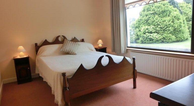palmgrove bed and breakfast listowel bedroom 1