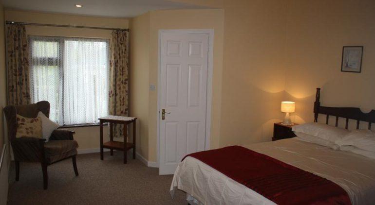 palmgrove bed and breakfast listowel bedroom