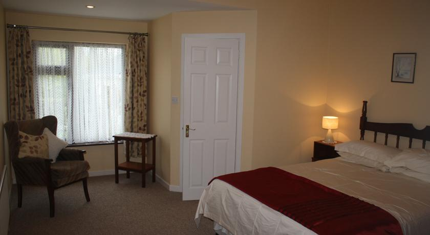 palmgrove bed and breakfast listowel bedroom