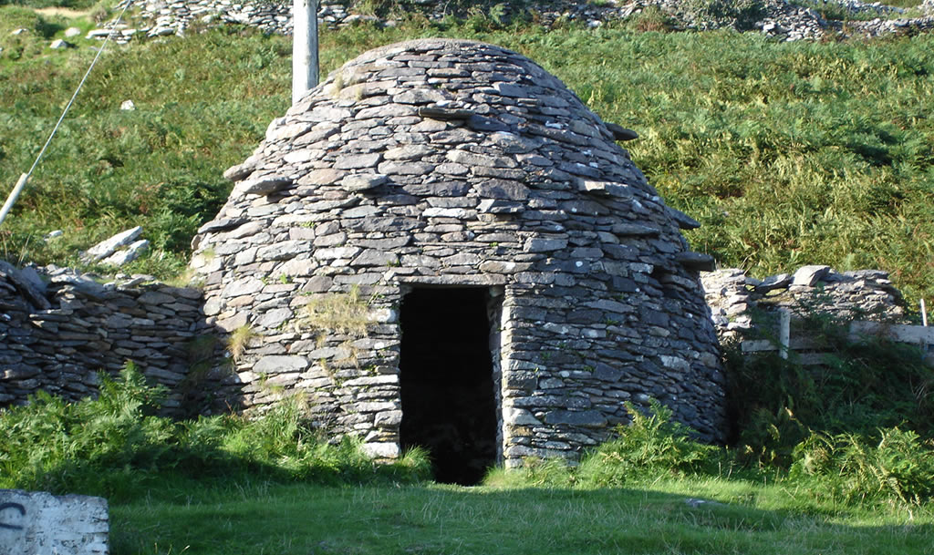 See beehive hut near ballyferriter at May the Fourth Festival
