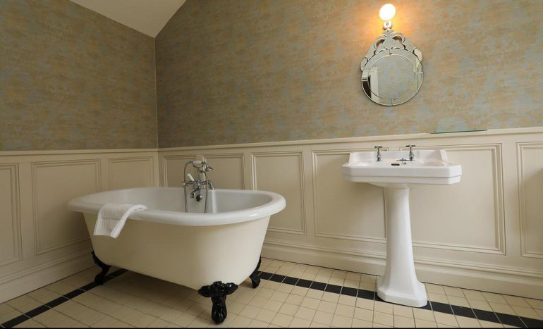Kells Bay House bathroom 2
