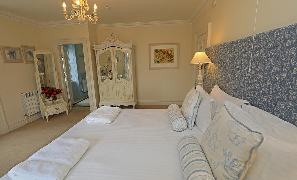 Kells Bay House bedroom suite