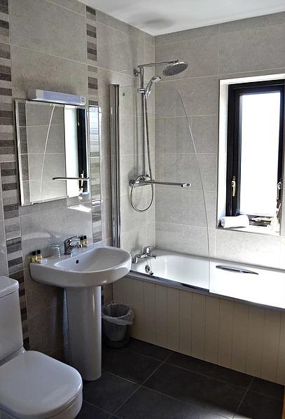 Teahans Guest House bathroom