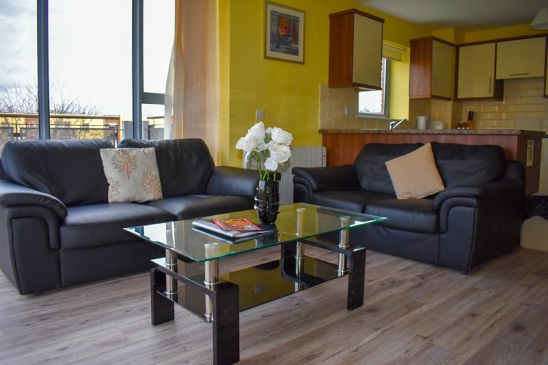 Wild Atlantic Way Apartments Killarney seating